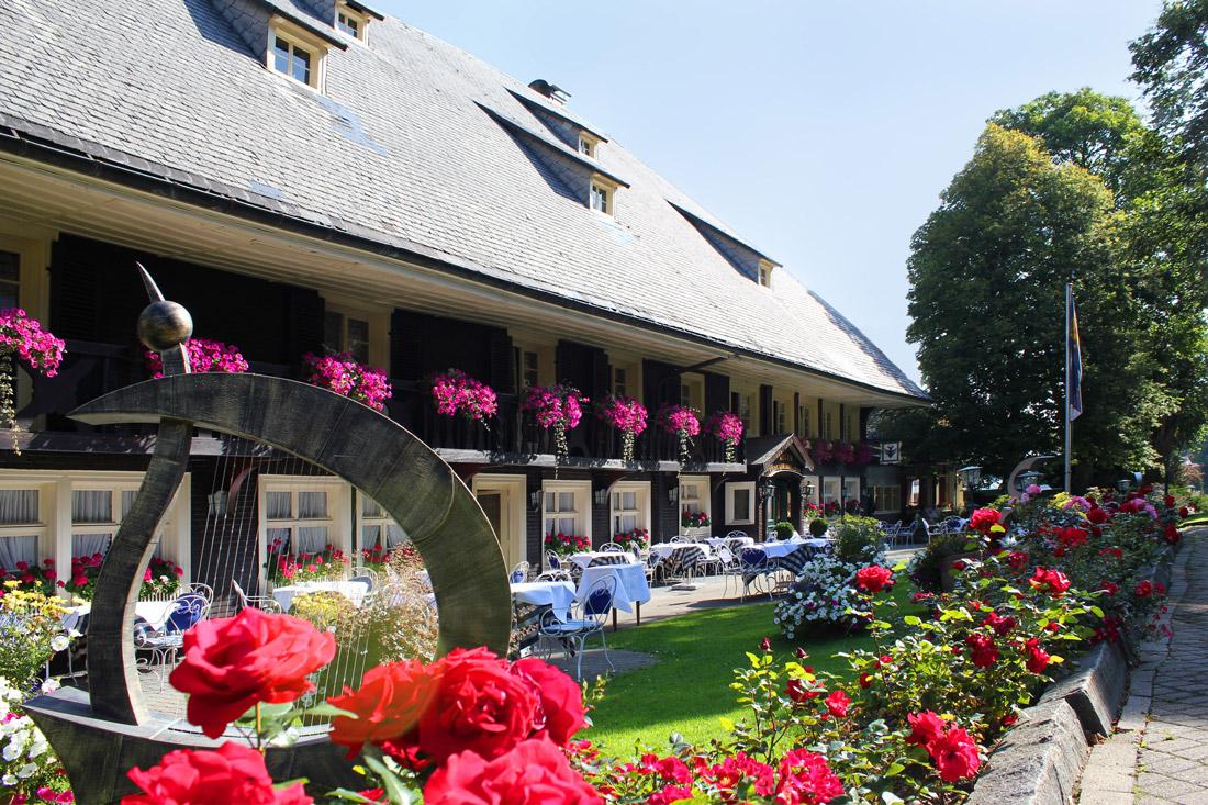 Das Schwarzwaldhaus auf dem Grundstück des Parkhotel Adler
